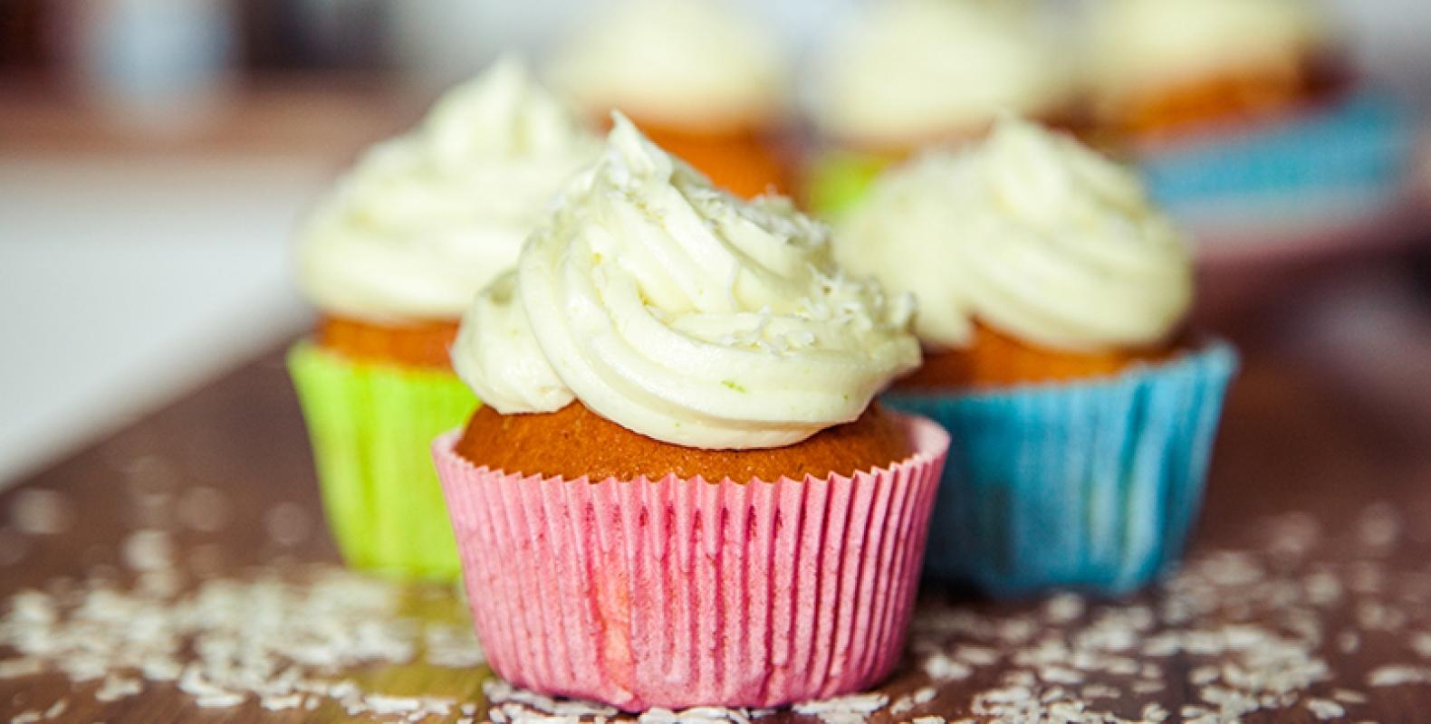 // Sonntag ist Backtag :) // Kokos-Limetten Cupcakes